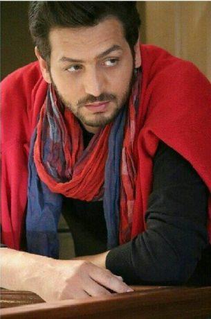 بیوگرافی علی سکر